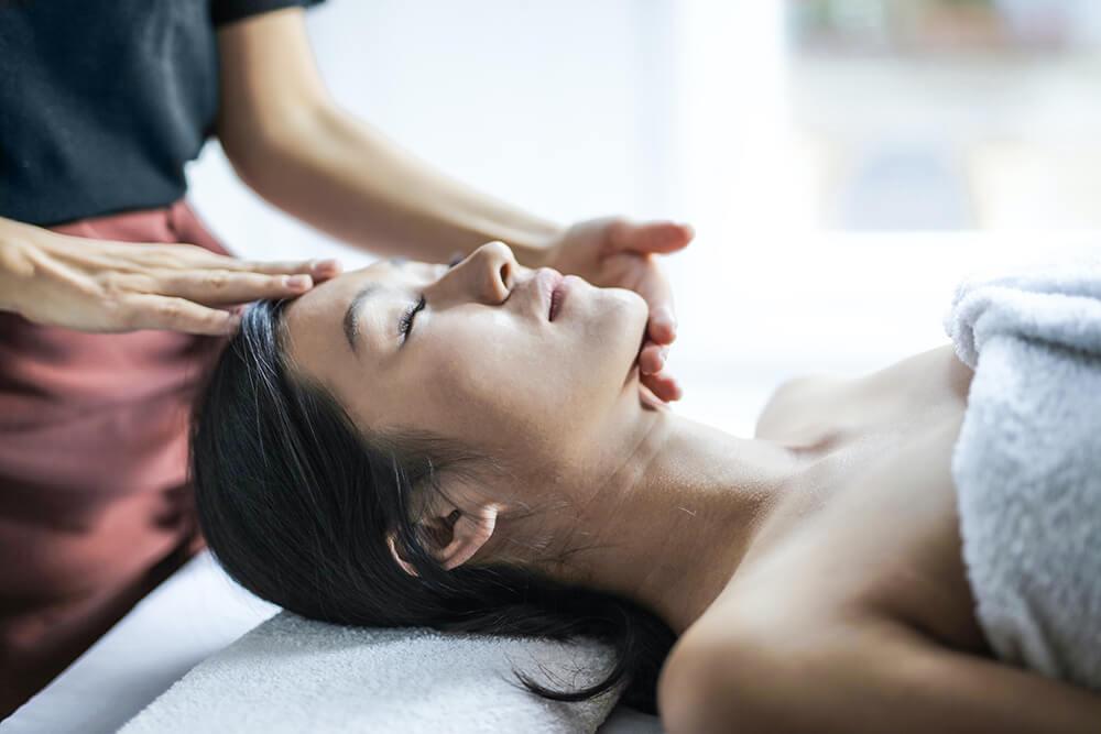 ¿En qué consiste la terapia craneosacral?
